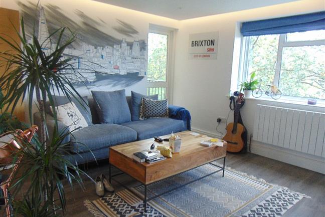 Photo 1 - Impressive re-imagined fourth Floor Apartment in Gated Purpose Build Block close to Brixton